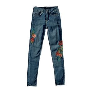 Zara | embroidered jeans